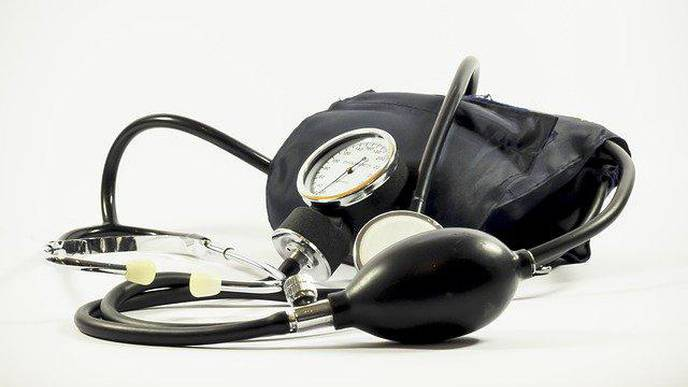 An Acebuchin-Oil-Enriched Diet Helps to Reduce Hypertension