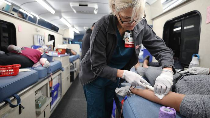 Advocates Urge US Government to Allow Gay Blood Donors Amid COVID-19 Outbreak